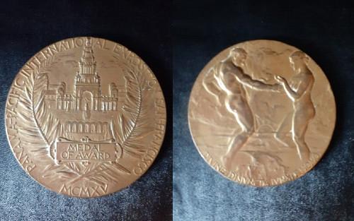 Colegio Internacion medalla nivel académico
