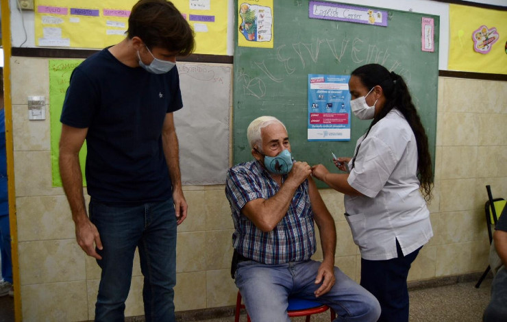 moron-vacunacion-covid-adultos-mayores