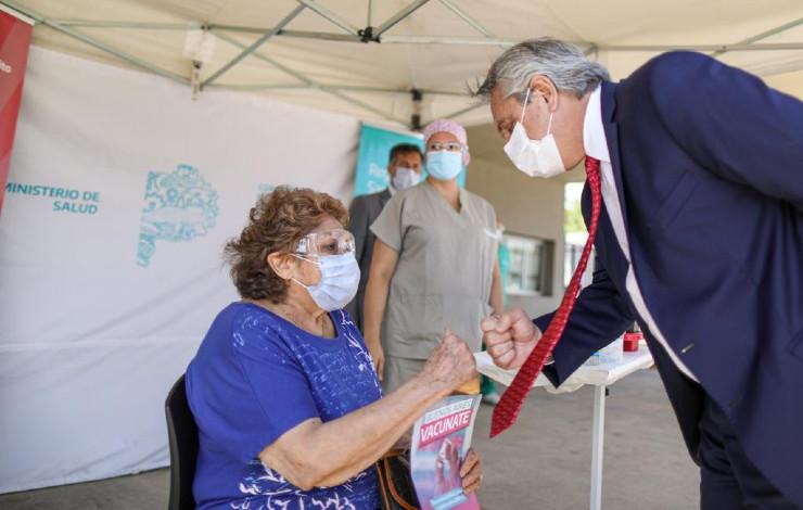alberto-fernandez-vacuna-hospital-bicentenario-ituzaingo