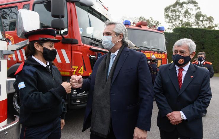 alberto-fernandez-bomberos-voluntarios