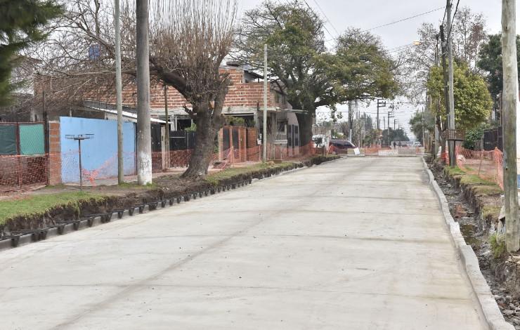 malvinas-obra-pavimento-calles-grand-bourg